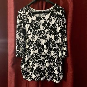 NWOT lane Bryant black White light weight sweater